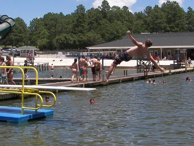 Fantasy Lake Water Park: North Carolina man dies from brain-eating ameoba (Naegl... 1